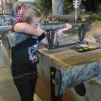 rifle-with-a-small-girl